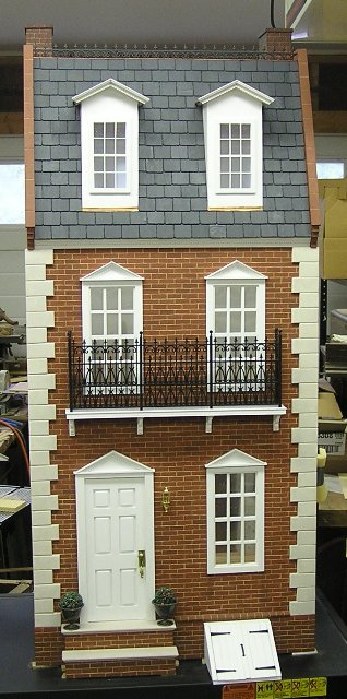 "Hitty's House: A 1:6"" Scale Townhouse"