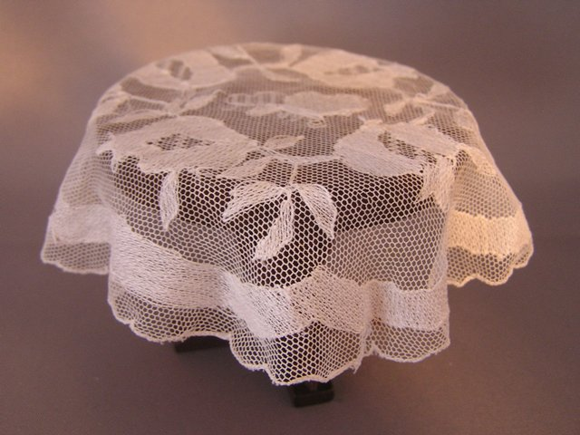 Net Lace Bumblebee Tablecloth #2025-1