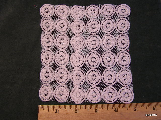 Medallion Lace Spread for Half Inch Scale Bed