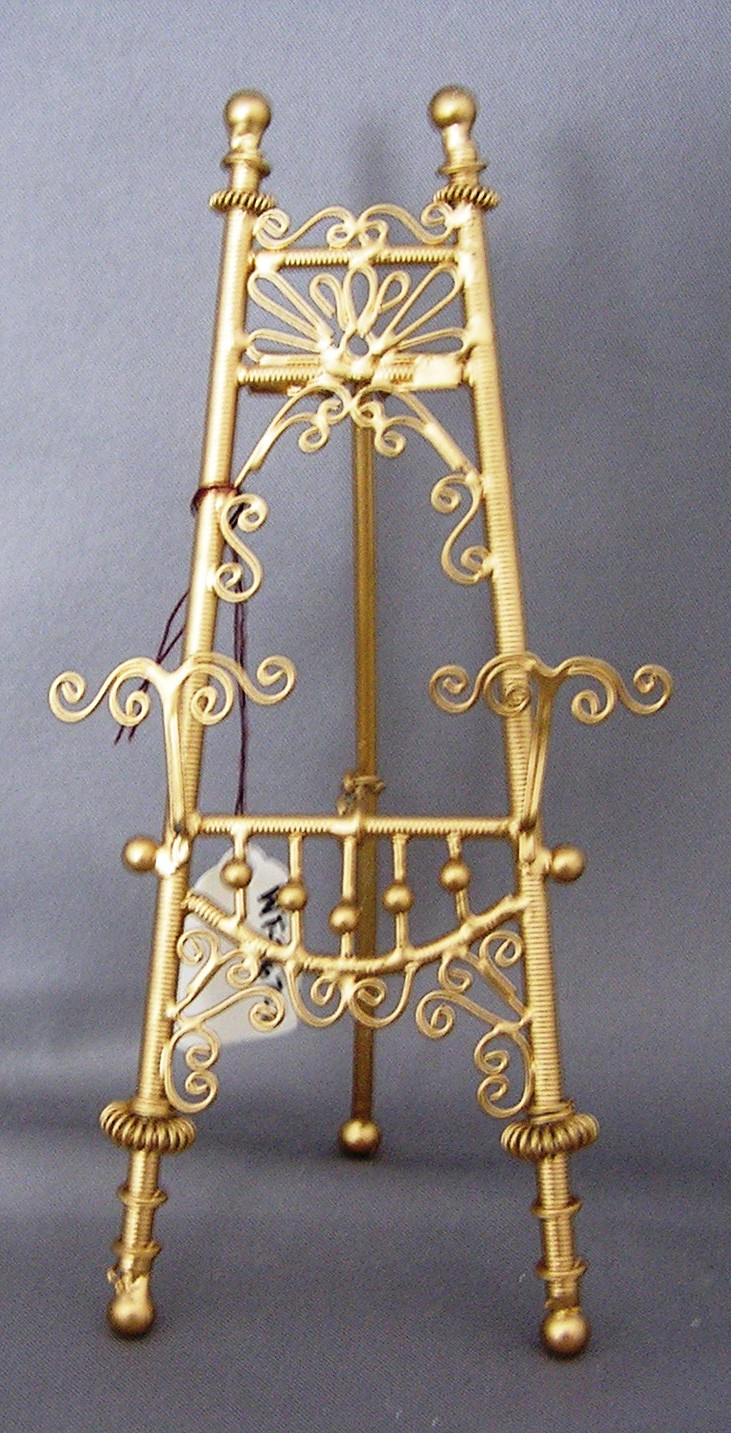"Gold ""Wicker"" Easel"