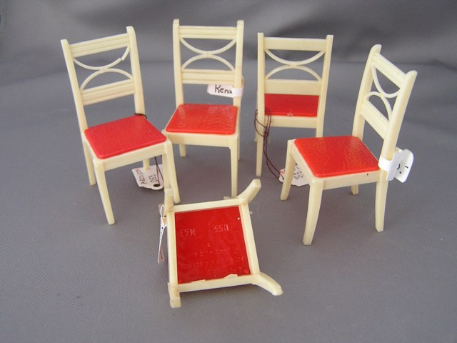 Renwal Ivory & Red Kitchen Chair #53