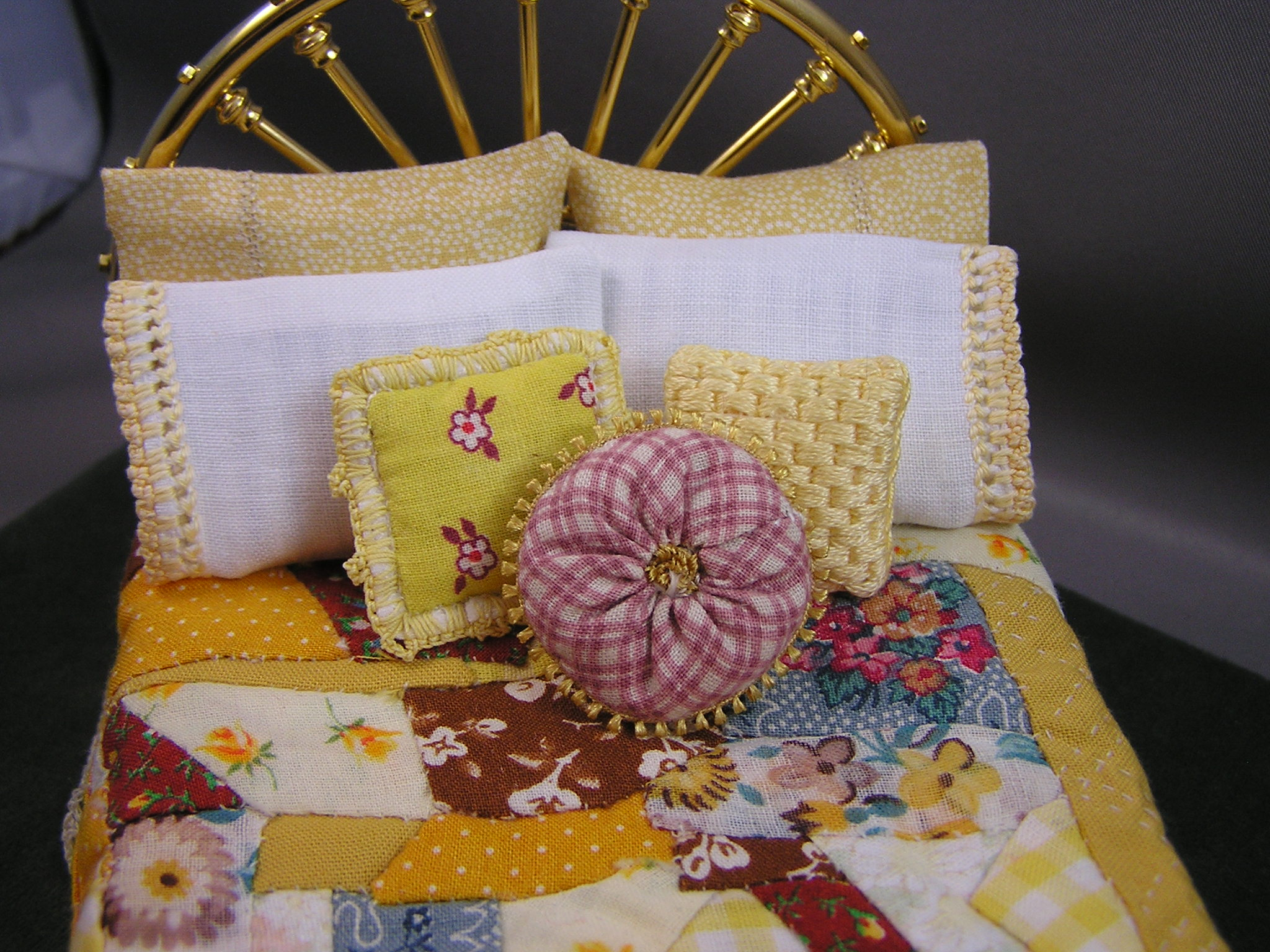 Crochet-trimmed Country Throw Pillow - Click Image to Close