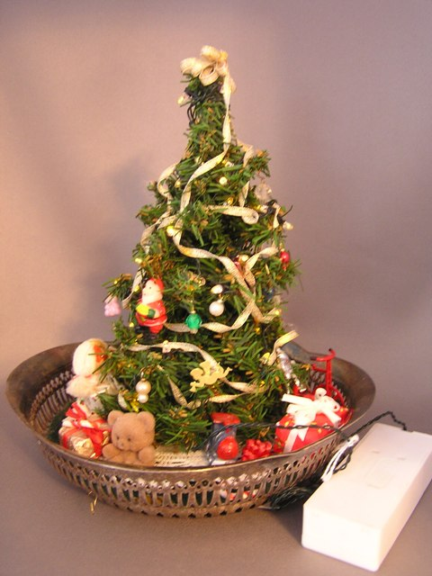 Lighted Tree Centerpiece - Click Image to Close