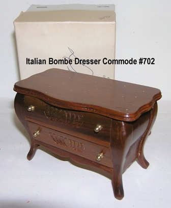 Italian Handcarved Walnut Bombe Dresser Commode #702