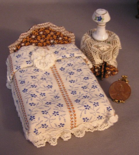 Double Bed & Table Set: Half Inch Scale