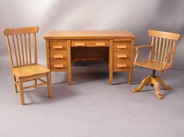 Oak Office Desk & Chairs