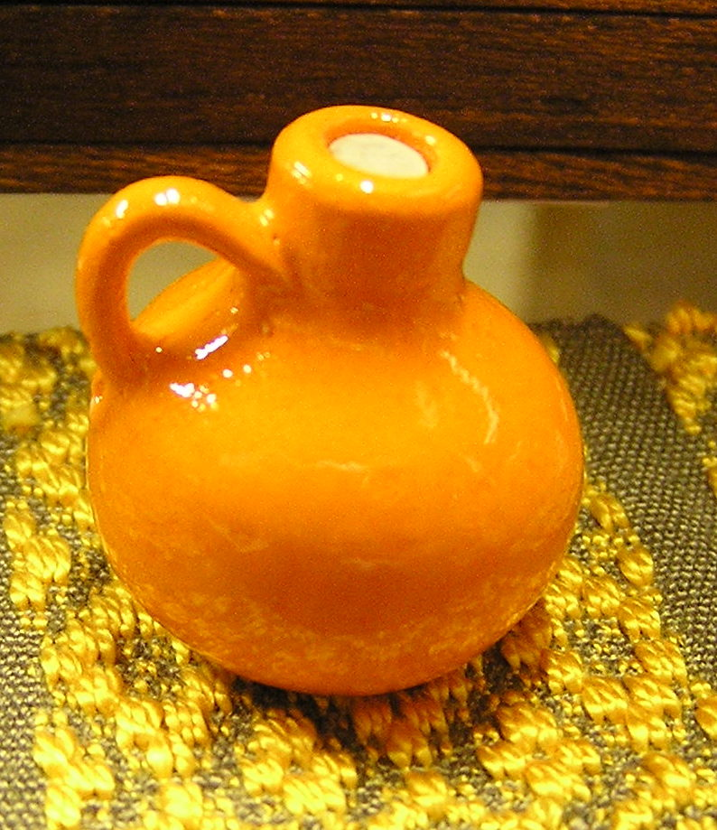 Bright Pottery Jug, Meiklejohn - Click Image to Close