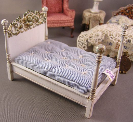 White Bed with Brass Details: Half Inch Scale